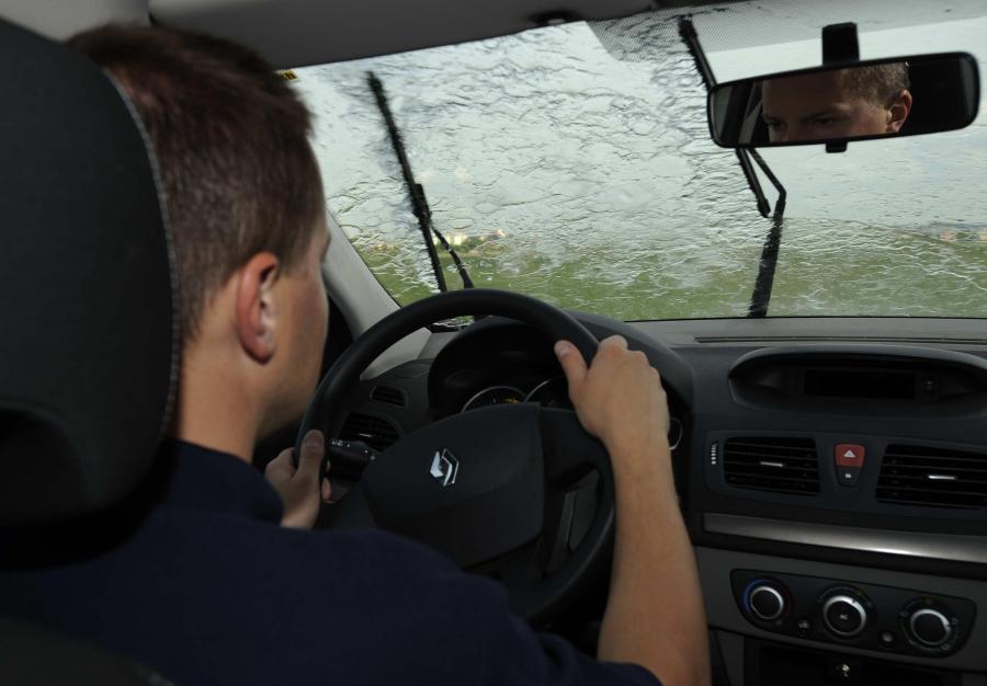 Co robić kiedy jedziesz samochodem?