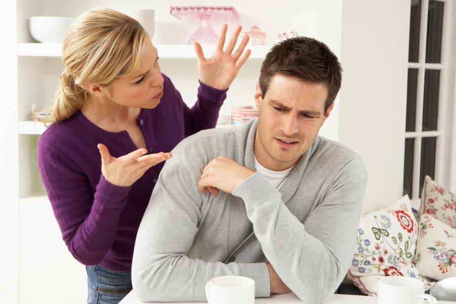 Trudna rozmowa kobiety z mężczyzną
