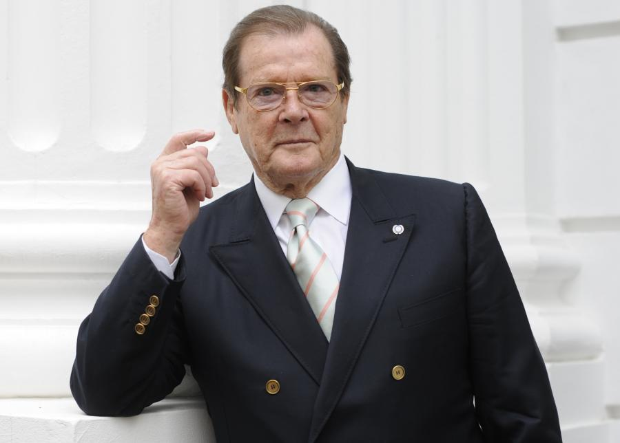 Roger Moore pokonał agenta 007