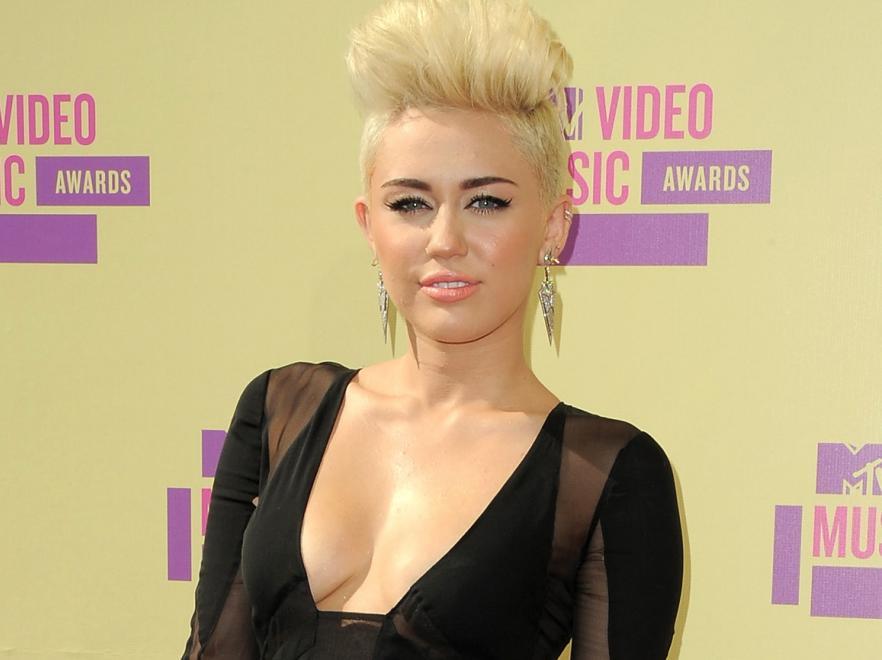 Miley Cyrus Perfekcyjna Prawie Jak Pani Domu Zdj Cie Galeria