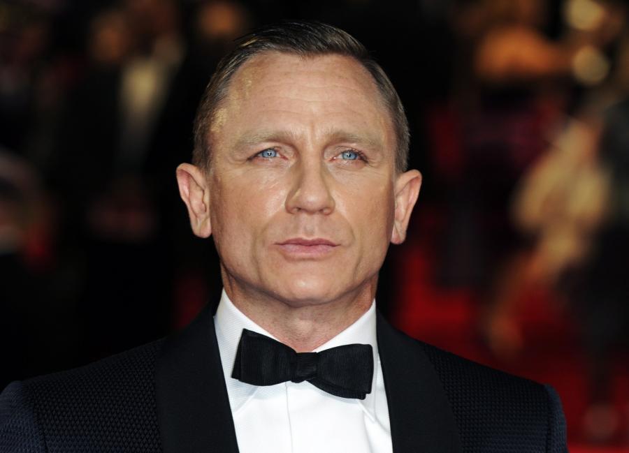 Daniel Craig zawstydzony uwielbieniem na premierze \
