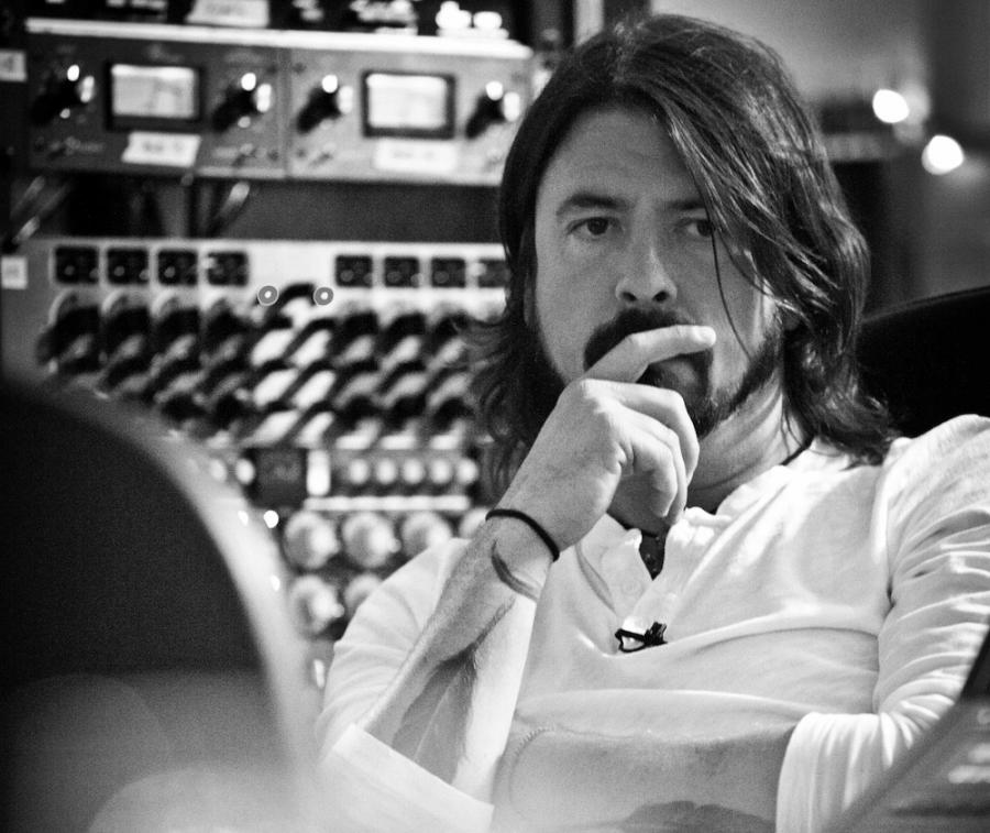 Dave Grohl na żywo z kolegami z Nirvany i Foo Fighters