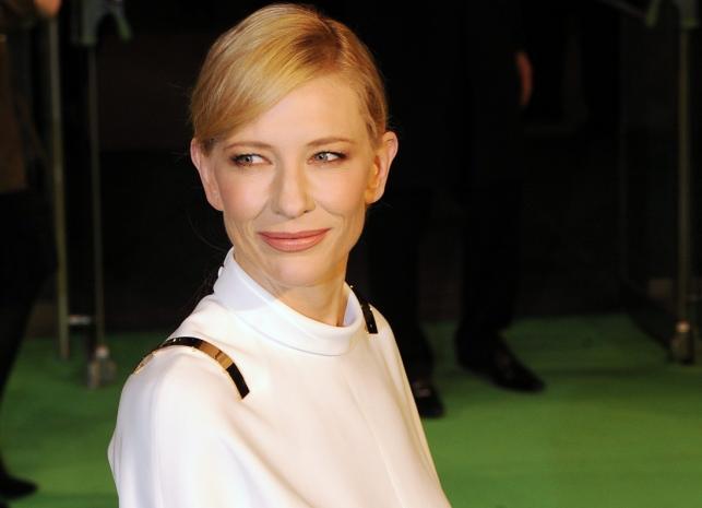 """Cate Blanchett na premierze """"Hobbita"""" w Londynie"""