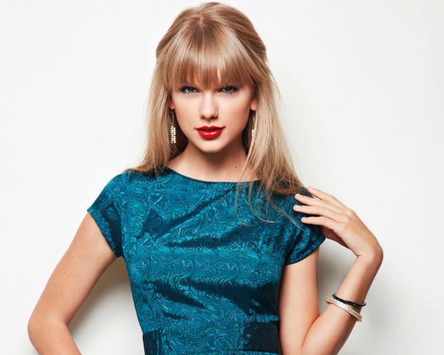 """Taylor Swift na zdjęciach z sesji do nowego albumu """"Red"""""""
