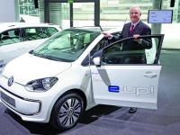 Martin Winterkorn i volkswagen e-up!