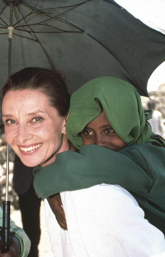 Audrey Hepburn jako ambasadorka UNICEF-u w Etiopii (1988)