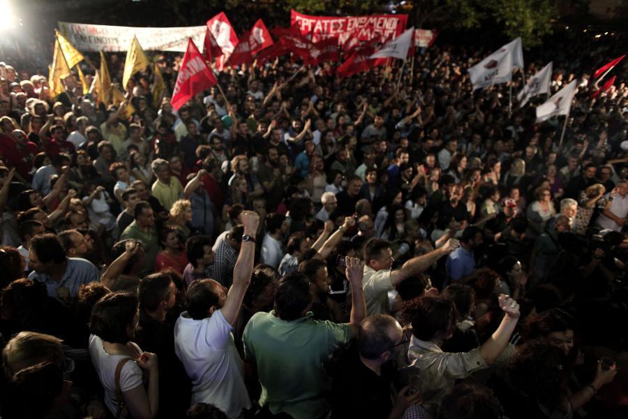 Protest przed siedzibą greckiej telewizji