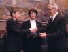 Danuta Wałęsa z synem odbiera w imieniu męża Pokojową Nagrodę Nobla