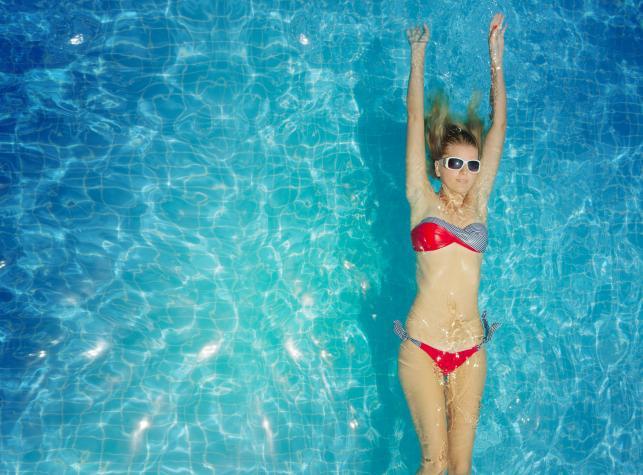 Wszystkie zalety pływania (i jedna wada)