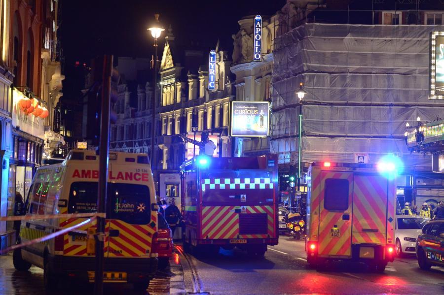 Akcja ratunkowa po katastrofie budowlanej w teatrze Apollo w Londynie