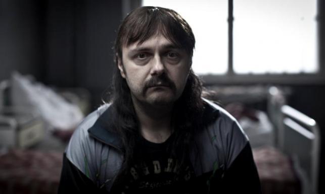"""Arkadiusz Jakubik w filmie """"Pod Mocnym Aniołem"""""""