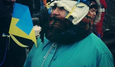 Jedna z uczestniczek protesu w Kijowie/Bruce Springnote/Twitter
