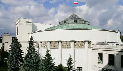 Sejm na zakupach. Cel: telewizory