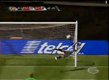 Fantastyczny strzał i gol! Zobacz wideo