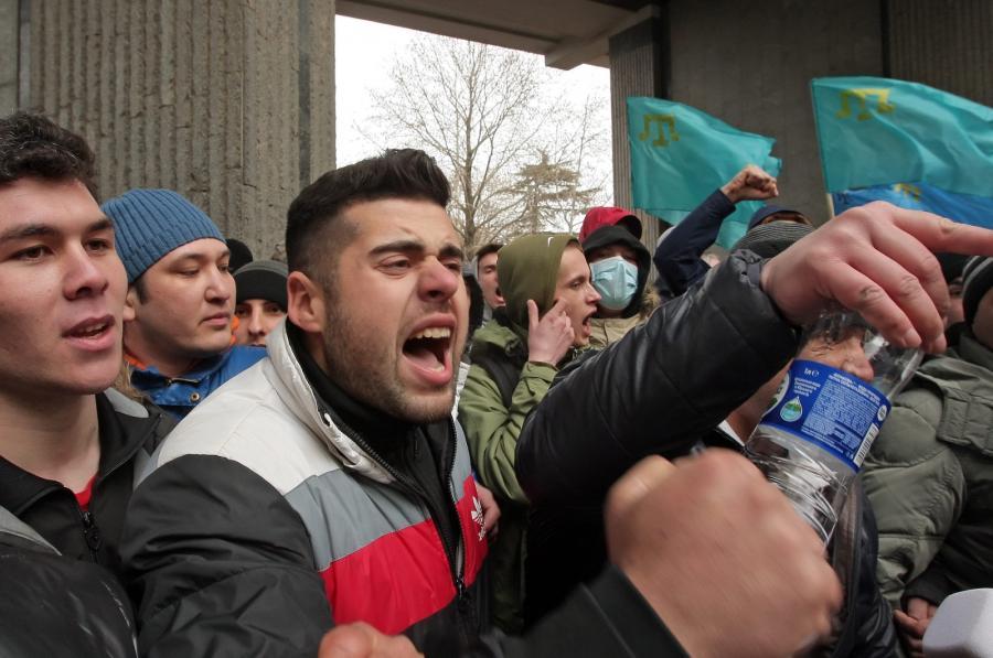 Krymscy Tatarzy protestują przeciwko odłączeniu do Ukrainy