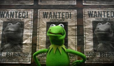 """""""Muppety: Poza prawem"""" – im nawet czerstwe żarty uchodzą na sucho"""