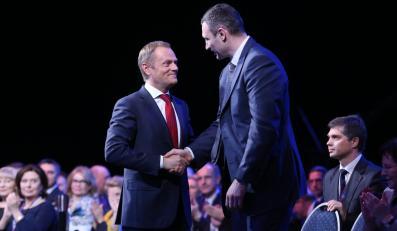 Premier Donald Tusk i gość specjalny posiedzenia, lider ukraińskiej partii Udar Witalij Kliczko