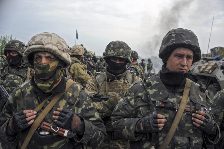 Ukraińscy żołnierze nieopodal Słowiańska