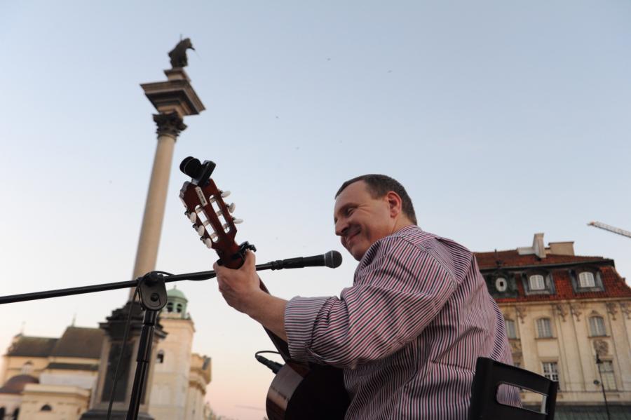 Jacek Kurski dał koncert na Placu Zamkowym w Warszawie