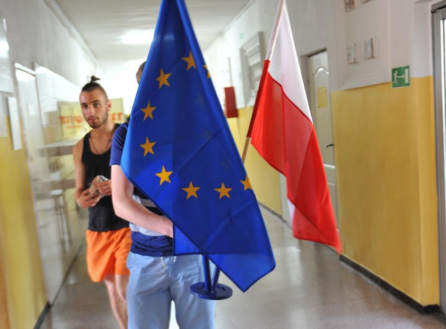 Przygotowania Obwodowej Komisji Wyborczej nr 99 w Zespole Szkół Budowlanych w Szczecinie
