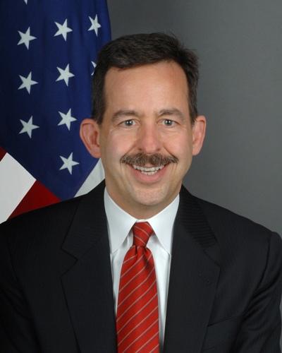 Ambasador Stephen Mull