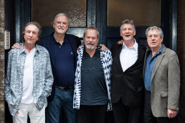 Grupa Monty Python na konferencji prasowej poświęconej show w Londynie