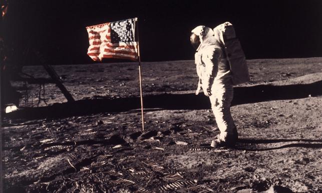 Lądowania na Księżycu nie było? Teorie spiskowe dotyczące misji Apollo 11