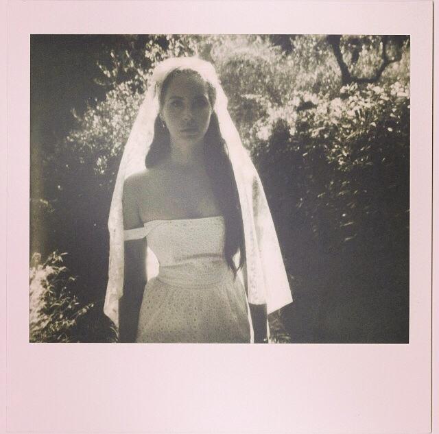 Lana Del Rey wyrusza w podróż poślubną po wakacjach
