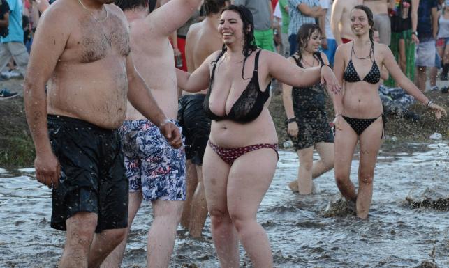 Przystanek Woodstock: Kąpiele w błocie, dwa rekordy, jeden zgon [NAJLEPSZE ZDJĘCIA]