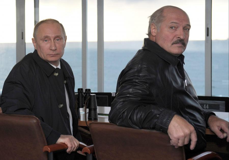 Łukaszenka i Putin na manewrach