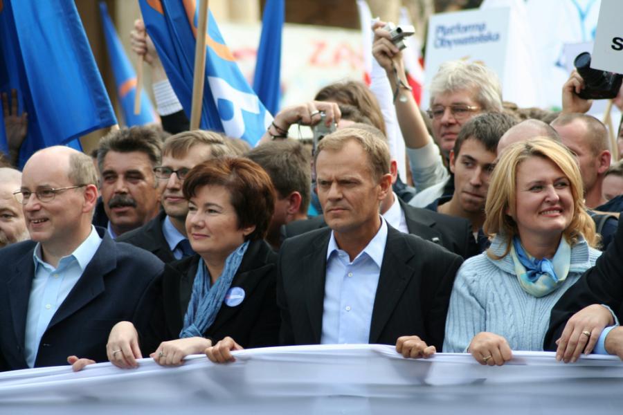 Donald Tusk  to współzałożyciel i od 2003 roku przewodniczący PO.