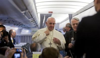 Papież Franciszek w drodze do Albanii