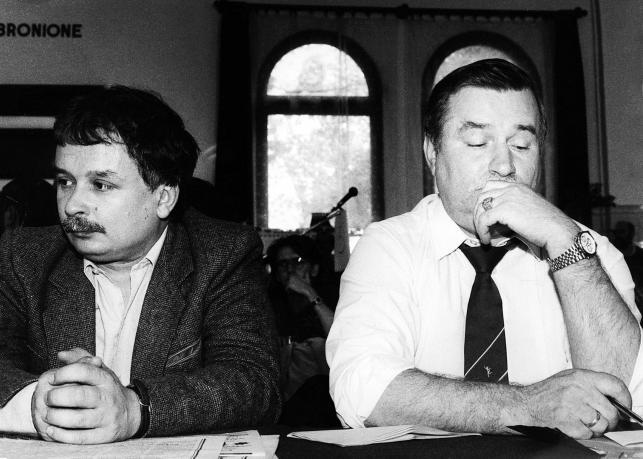 Zaciekły recenzent polityki Kaczyńskich