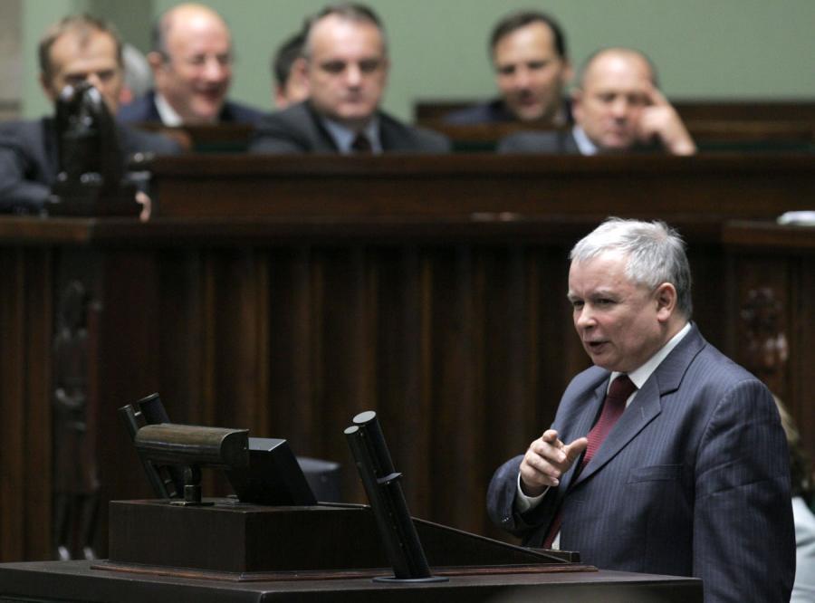 Jarosław Kaczyński chce od Sejmu przeprosin dla brata