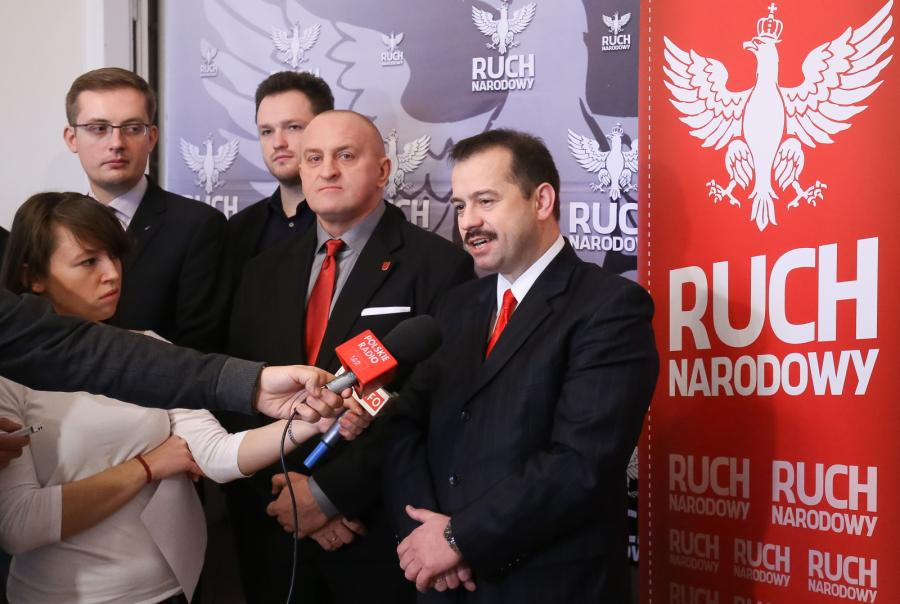 Kandydat Ruchu Narodowego na prezydenta Polski - Marian Kowalski (2P) oraz liderzy Ruchu Narodowego: Artur Zawisza (P), Witold Tumanowicz (2L), Robert Winnicki (L), podczas konferencji prasowej w Warszawie