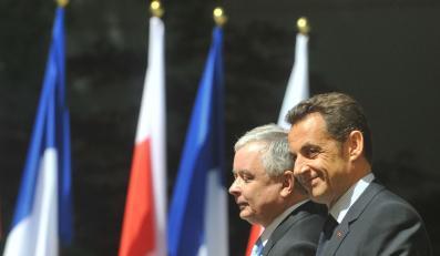 Prezydent chce uciec przed Sarkozym
