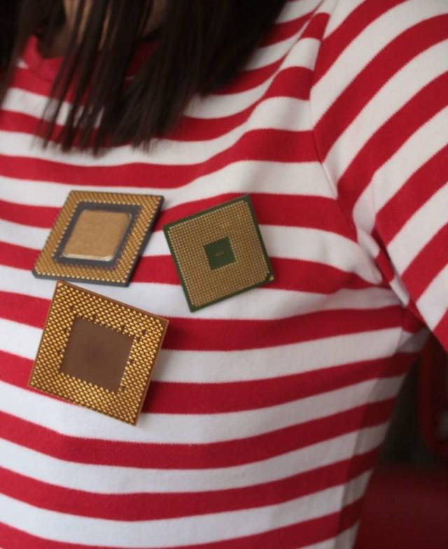 Broszki z procesorów - idealny prezent handmade na Walentynki