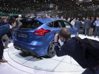 Przyciągnął tłumy! Nowy ford focus RS kryje asa pod karoserią. ZDJĘCIA