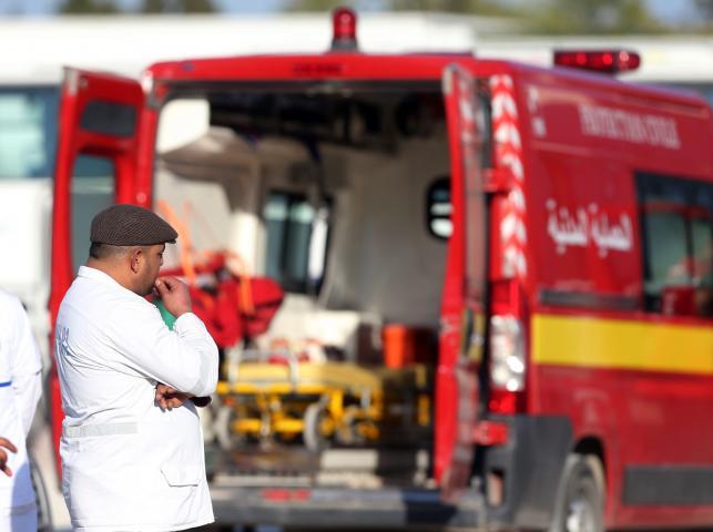 Ratownicy na miejscu ataku terrorystów w Tunisie w Tunezji