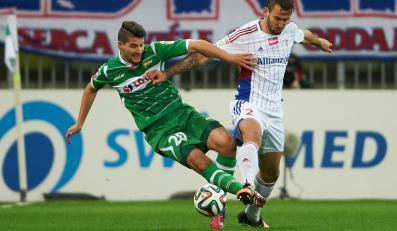 Piłkarz Lechii Gdańsk Antonio Colak (L) i Błażej Augustyn z Górnika Zabrze, podczas meczu 25. kolejki T-Mobile Ekstraklasy