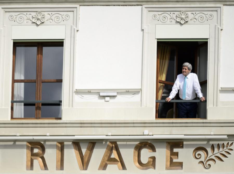 John Kerry, amerykański sekretarz stanu, uczestniczy w rozmowach w Lozannie