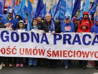 Wielka manifestacja w Warszawie. 50 tysięcy osób poszło do Ewy Kopacz