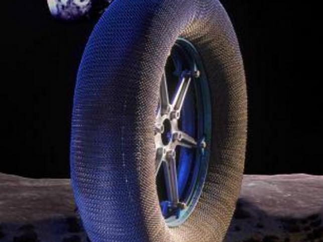Opona z Księżyca trafi do twojego auta