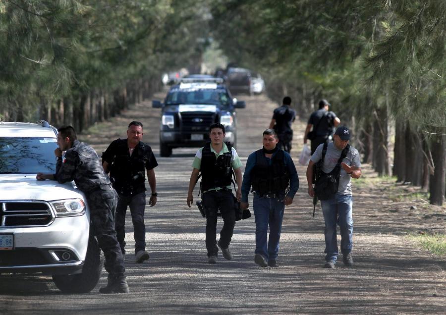 Zasadzka na policjantów i żołnierzy w Meksyku. 43 osoby nie żyją