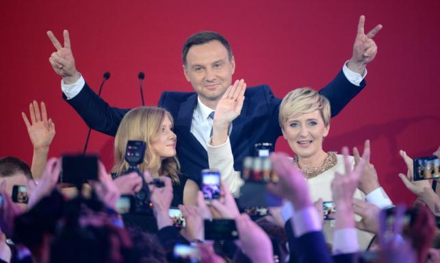 Sondaż: wygrywa Andrzej Duda, ale jego przewaga się zmniejsza