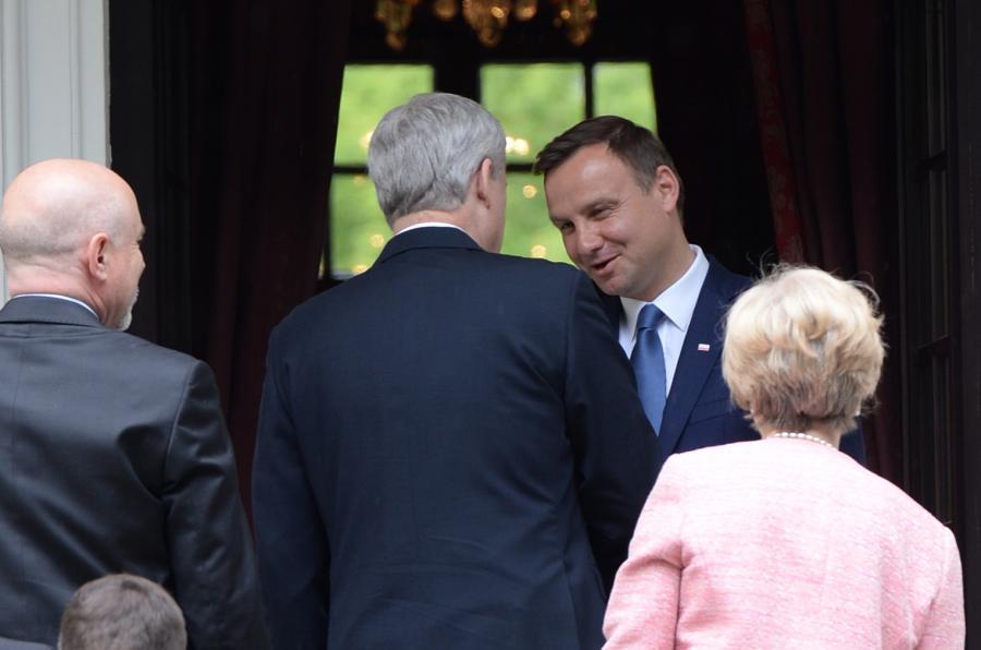 Prezydent elekt Andrzej Duda przed spotkaniem w Pałacyku na Foksal w Warszawie z przebywającym z wizytą w Polsce premierem Kanady Stephenem Harperem