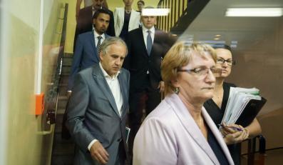 Minister zdrowia Marian Zembala i dyrektor szpitala w Wyszkowie Cecylia Domżała po zakończeniu rozmów