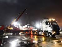 Tak gigantyczne ciężarówki wywiozły samolot z floty prezydenta Kaczyńskiego. ZDJĘCIA z operacji