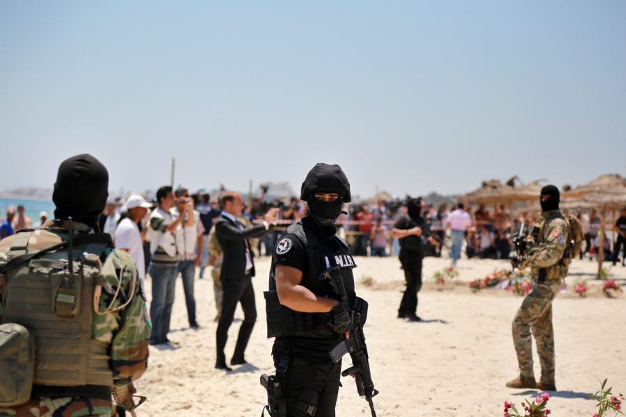 Tunezyjskie plaże po piątkowym zamachu