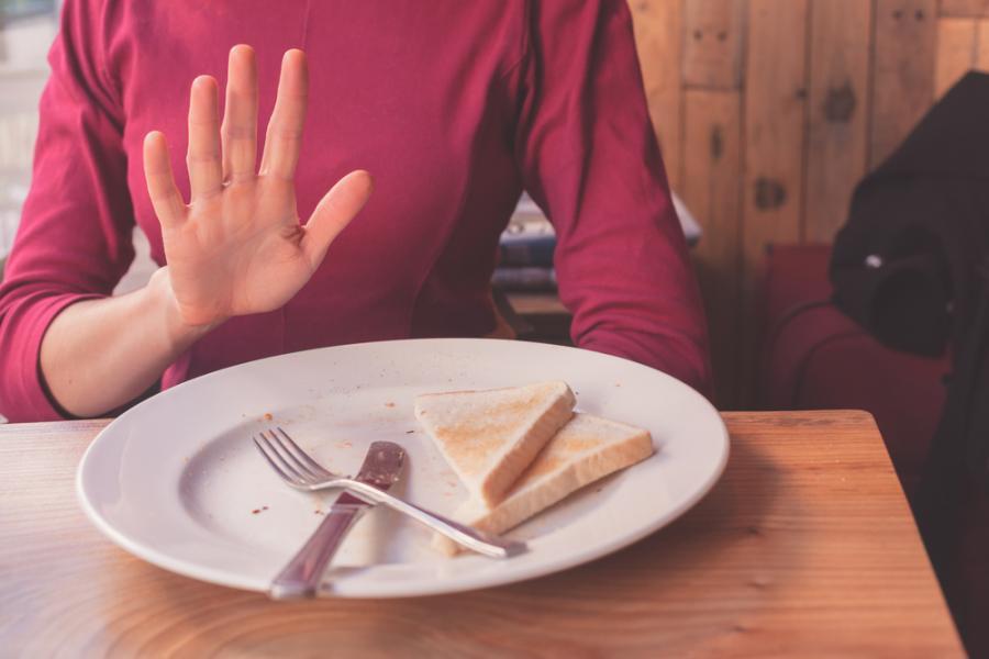 Kobieta na diecie bezgutenowej
